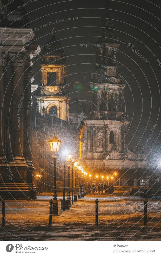 auf dem terrassenufer Stadt Hauptstadt Stadtzentrum Altstadt Kirche Dom Religion & Glaube Dresden Straßenbeleuchtung Schnee Nacht Winter Hofkirche Dresden