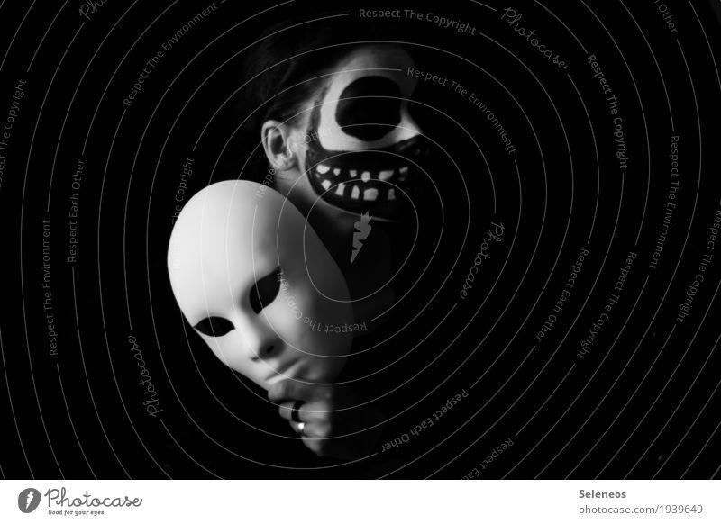 the dark side is behind the mask Karneval Halloween Mensch Gesicht Auge Nase Mund Lippen Zähne 1 Maske dunkel gruselig Gefühle Stimmung Trauer Tod Angst