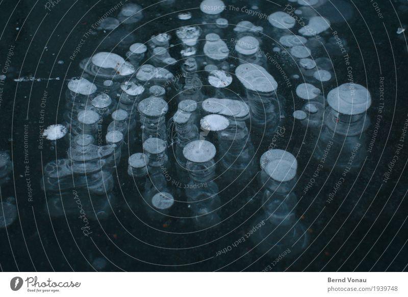 eis Natur Winter kalt Wetter Eis Klima Turm Frost gefroren durchsichtig Bach Luftblase aufeinander