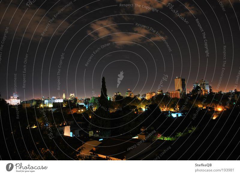 Nachtschwaermer Himmel Stadt Sommer ruhig Haus Erholung träumen Gebäude Landschaft Tanzen Feste & Feiern Stern glänzend Umwelt Horizont Nachthimmel