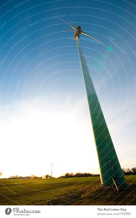 Waking giants. Natur Landschaft Luft Kraft Wind Wetter Umwelt Horizont Turm Windkraftanlage Schönes Wetter Umweltschutz Umweltverschmutzung Blick nach oben