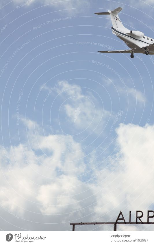 und tschüss... blau Ferien & Urlaub & Reisen Ferne Luft Erde Ausflug Flugzeug Tourismus Luftverkehr Flugzeugstart Flughafen Flugzeuglandung Sommerurlaub