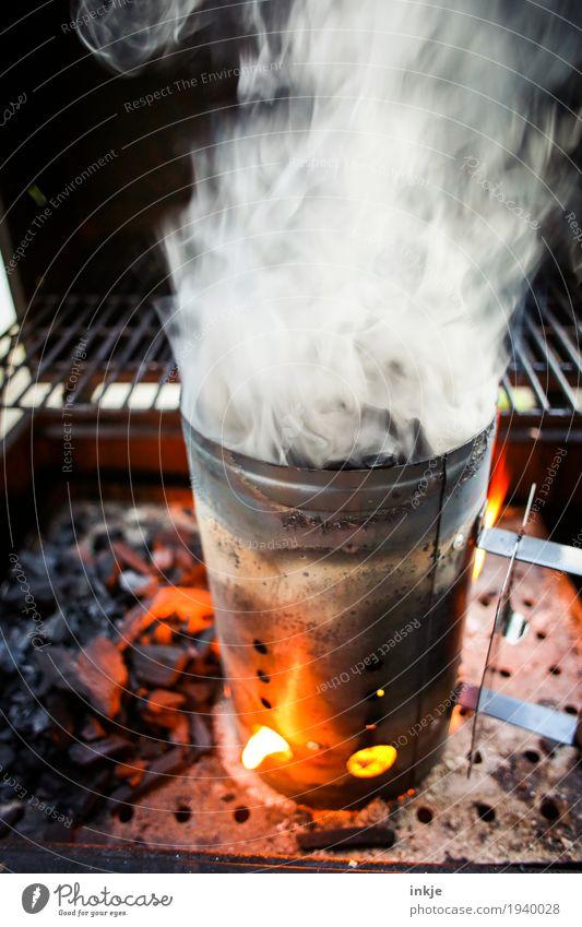 O'zünd is! Freizeit & Hobby Ernährung Feuer Rauch heiß Rauchen Grillen Flamme anzünden Übelriechend Grillkohle Grillsaison