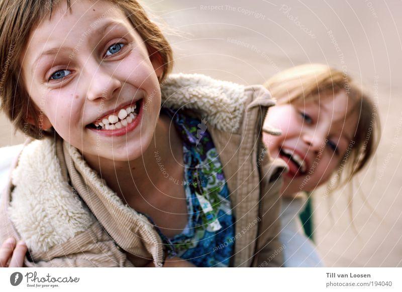 kids Mensch Kind Freude Spielen Haare & Frisuren lachen Freundschaft Familie & Verwandtschaft Kindheit authentisch Lächeln Kindergarten Kindererziehung Sympathie 3-8 Jahre Schwester