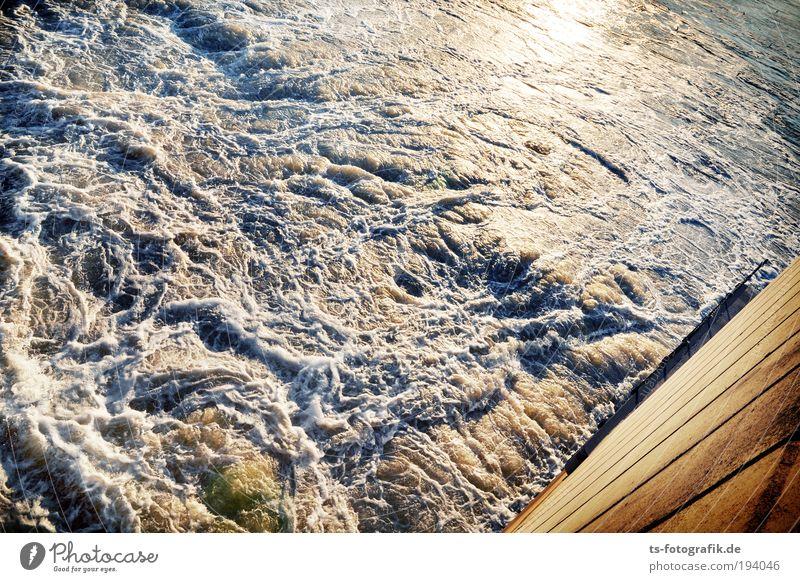 Wildwasser III Natur blau Wasser weiß Meer Umwelt Küste Wetter Wellen Wind Urelemente Fluss Unwetter Sturm Erneuerbare Energie Wasserfall