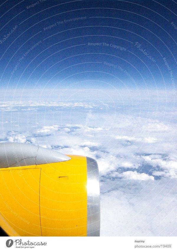ueber den wolken Wolken Flugzeug Triebwerke Luft Europa Sonne