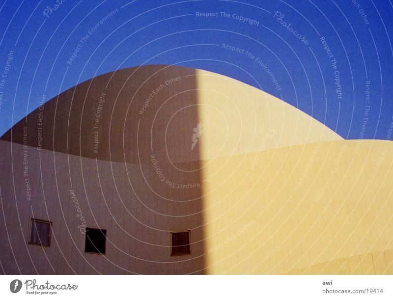 Operblau Licht Architektur Himmel Düsseldorf Schatten Detailaufnahme Kontrast