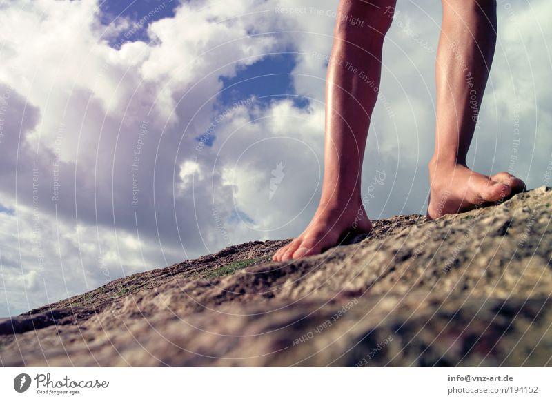 on the rocks 2 Himmel Natur Jugendliche schön Meer Wolken Beine Fuß laufen Felsen Lifestyle Frau Mensch Junge Frau Riff