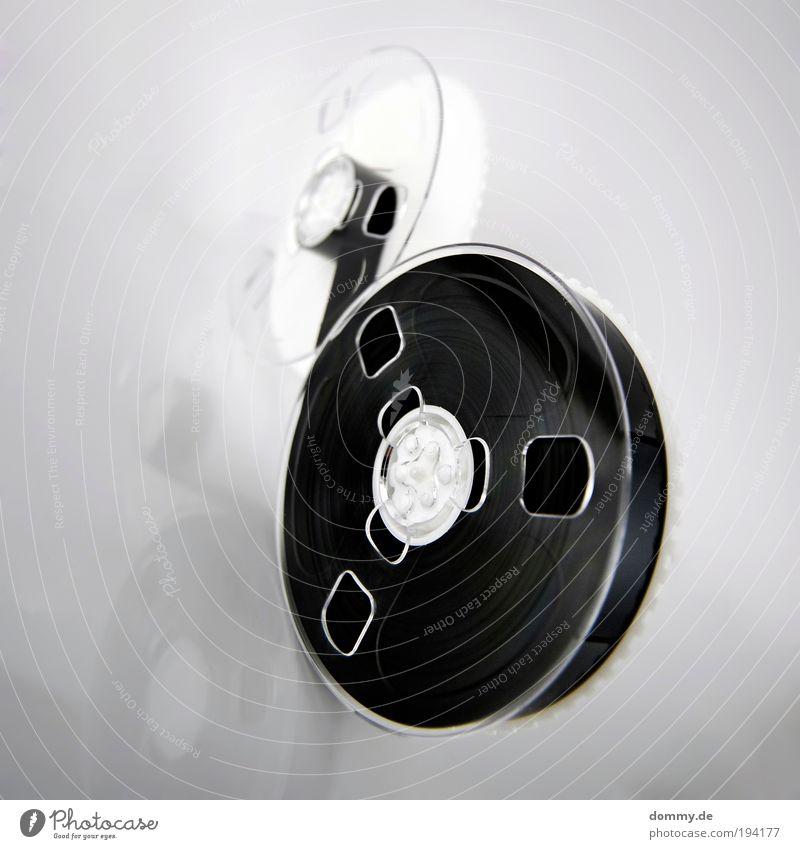 technik dino 2 alt schwarz laufen Technik & Technologie Fernseher Filmindustrie rund beobachten Spuren Videokamera Sammlung Schallplatte Tonband Medien