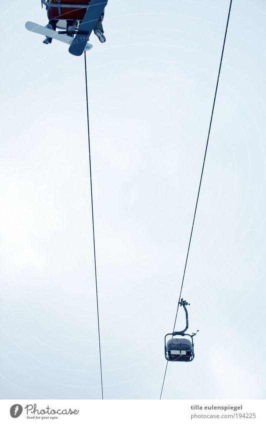 langsam müsste ich ja mal auf´s klo... Mensch Ferien & Urlaub & Reisen blau Winter Berge u. Gebirge kalt Leben Freiheit Tourismus Luft Eis Freizeit & Hobby hoch Frost fahren Mobilität