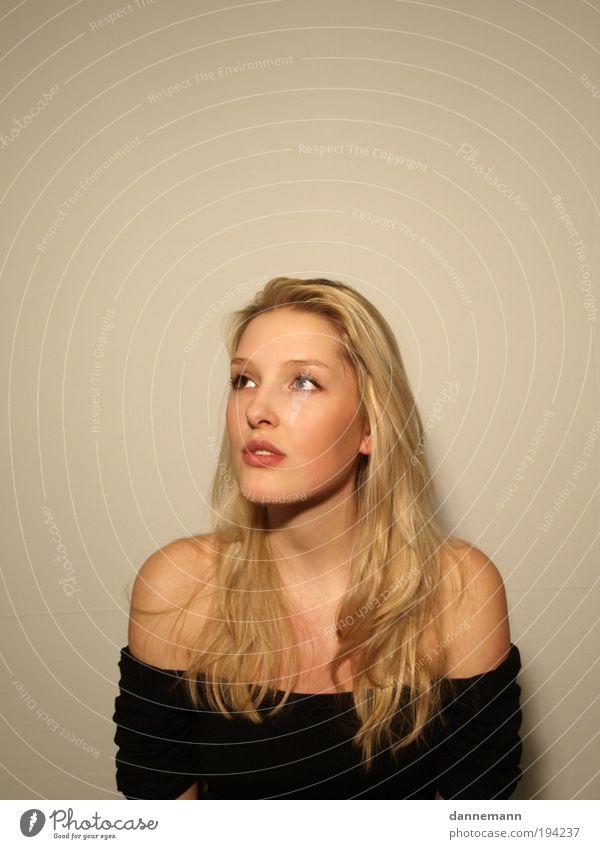 Jordis3 Mensch feminin Junge Frau Jugendliche Gesicht 1 Gefühle Farbfoto Innenaufnahme