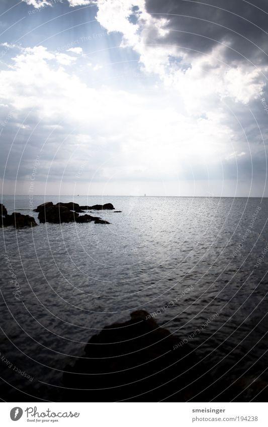 meer Wasser Himmel Sonne Meer Sommer Ferien & Urlaub & Reisen ruhig Wolken Einsamkeit Ferne Erholung Freiheit Wellen Küste Umwelt Horizont