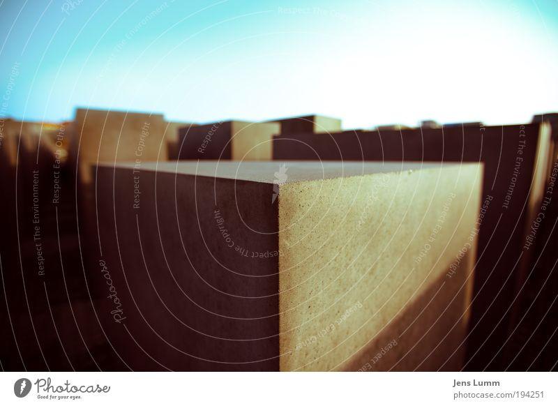 Squares Ferien & Urlaub & Reisen Berlin-Mitte Menschenleer Architektur Sehenswürdigkeit Denkmal eckig Farbfoto Außenaufnahme Tag Licht Schatten Kontrast