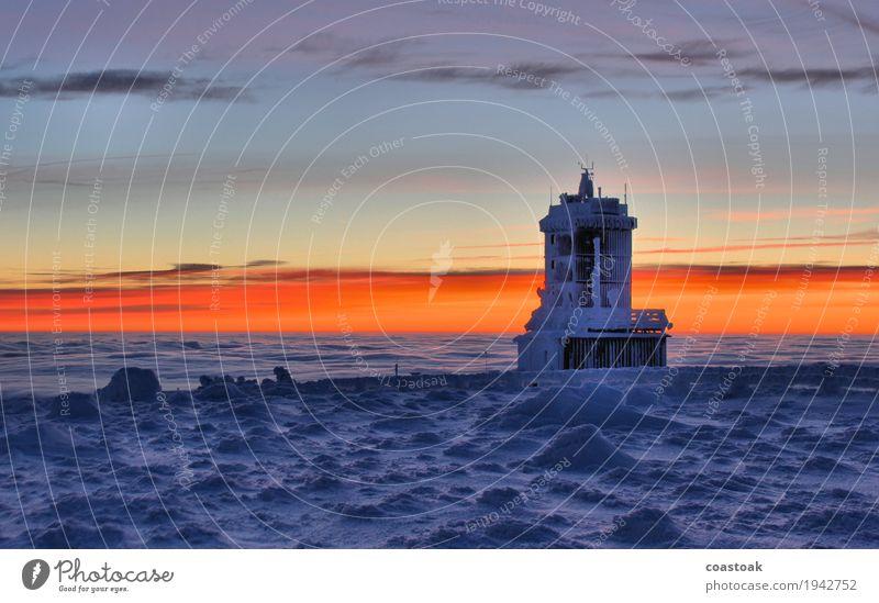 Wolkenhäuschen am Brocken Natur Landschaft Himmel Sonnenaufgang Sonnenuntergang Winter Eis Frost Berge u. Gebirge Schneebedeckte Gipfel frisch kalt blau orange