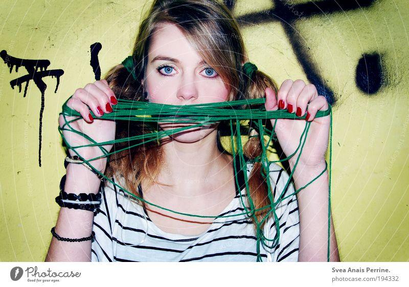 trash Mensch Jugendliche grün rot Erwachsene Auge gelb feminin Wand Graffiti Kopf Haare & Frisuren Mauer Stil Mode blond