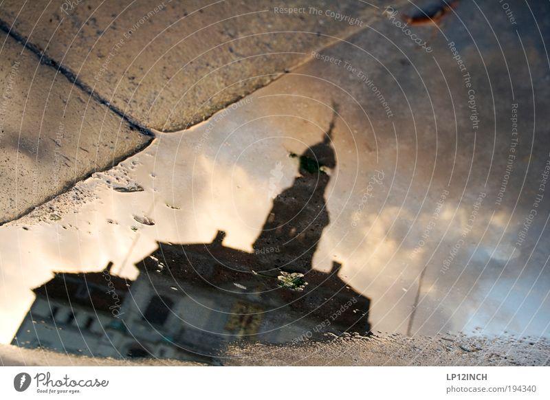 [LG10.3] LG-Marktgepfütze Natur Wasser Ferien & Urlaub & Reisen träumen Gebäude Kunst Architektur Umwelt Fassade Tourismus beobachten außergewöhnlich Wahrzeichen Surrealismus Pfütze Marktplatz