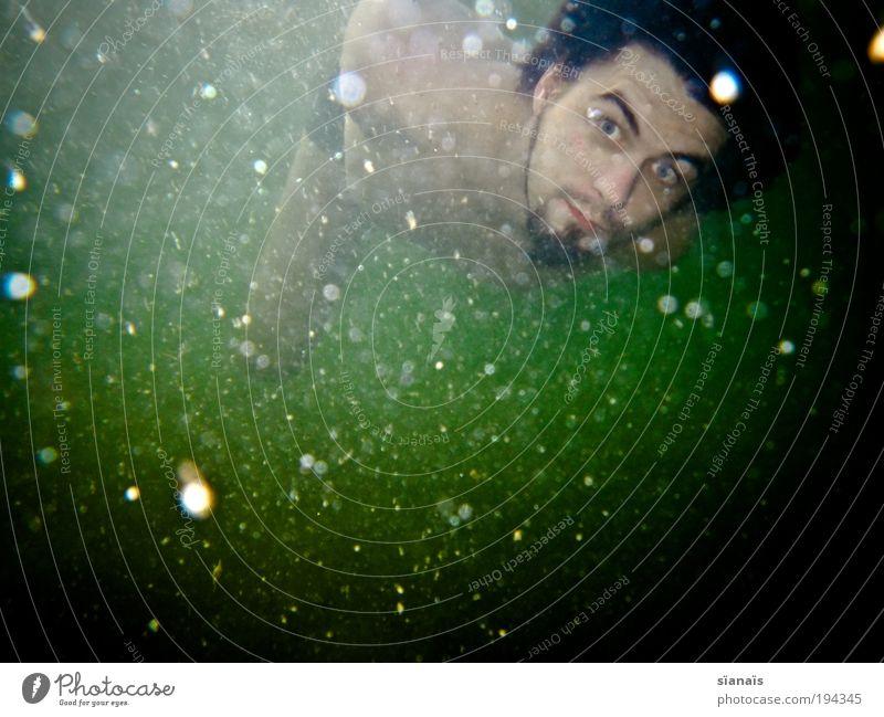 underwaterspace Mensch Jugendliche Wasser Meer Sommer Erholung dunkel See träumen Schwimmen & Baden fliegen maskulin außergewöhnlich Romantik Idylle Junger Mann