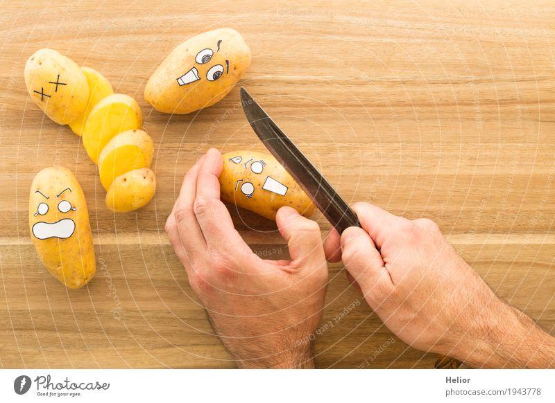 Kartoffeln in panischer Angst weiß Hand schwarz Gesicht Essen Gefühle lustig Holz Stadt Essen braun gefährlich bedrohlich kochen & garen Todesangst lecker