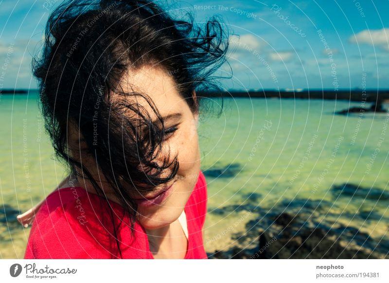 wenn jetzt Sommer wär... Mensch Himmel Natur Jugendliche Wasser grün schön rot Ferien & Urlaub & Reisen Meer Sommer Strand Erholung feminin Leben Kopf