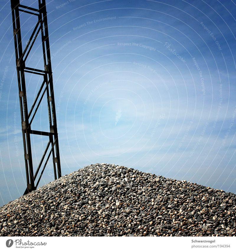 vom Gipfel aufwärts Himmel Natur blau Wolken Ferne Umwelt Berge u. Gebirge Bewegung Zufriedenheit Kraft hoch groß Erfolg Hügel Unendlichkeit Schönes Wetter