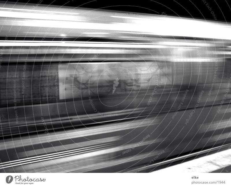 den zeitplan im knick U-Bahn Geschwindigkeit Übersichtskarten Verkehr Bewegung plankarte