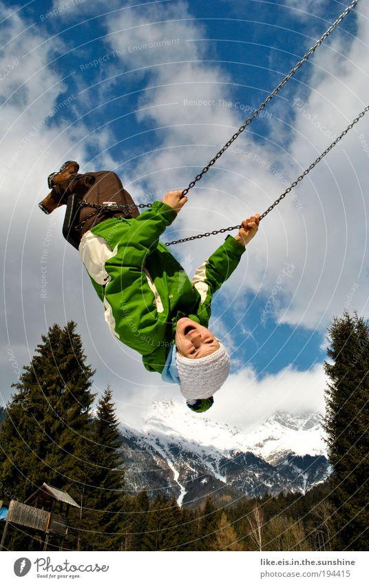 wuuuhuuuuuuuuuuu Mensch Jugendliche Himmel Baum grün blau Freude Wolken Gefühle Spielen Berge u. Gebirge Frühling Glück Stimmung Erwachsene