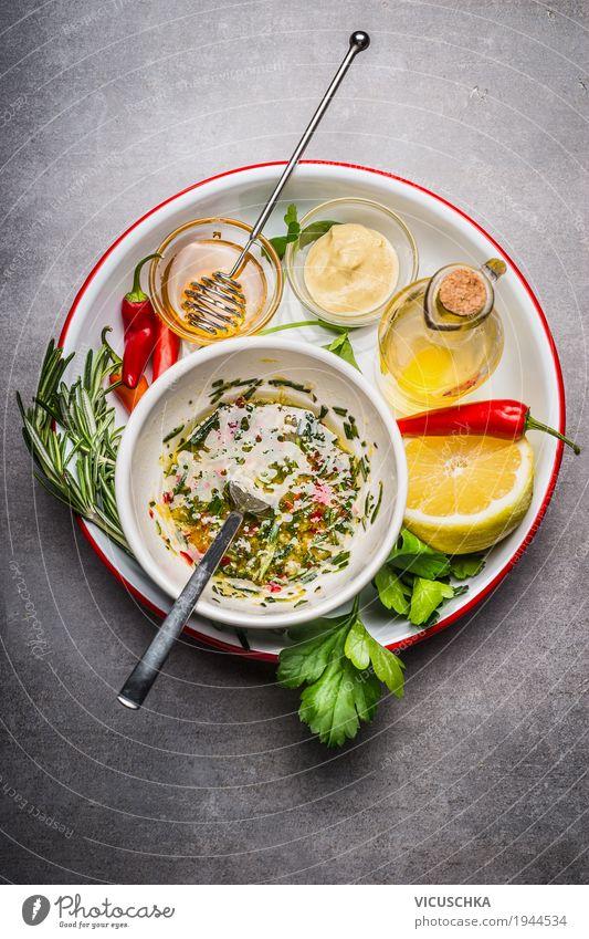 Marinade oder Dressing Zutaten Lebensmittel Kräuter & Gewürze Öl Ernährung Bioprodukte Diät Geschirr Schalen & Schüsseln Löffel Stil Design Gesundheit