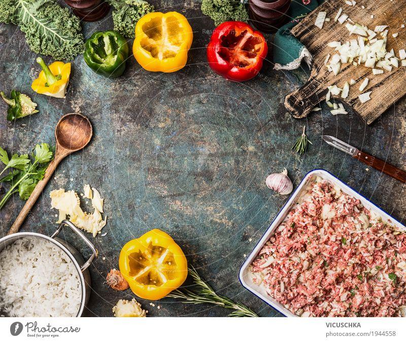 Paprika und Hackfleisch mit Reis Lebensmittel Fleisch Gemüse Kräuter & Gewürze Öl Ernährung Mittagessen Abendessen Bioprodukte Geschirr Schalen & Schüsseln Topf