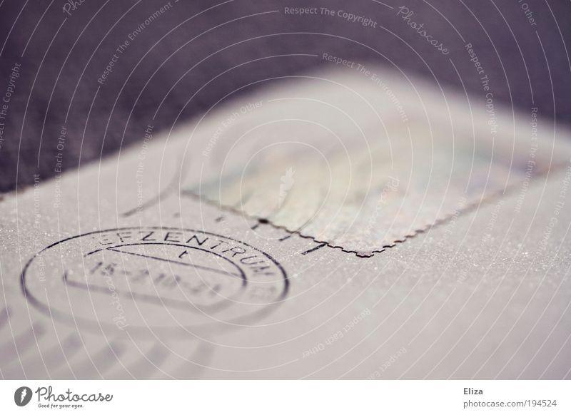 Damals, da schrieb man noch Briefe Papier Stempel ästhetisch Post Briefmarke Briefumschlag Telekommunikation schreiben senden grau violett mehrfarbig