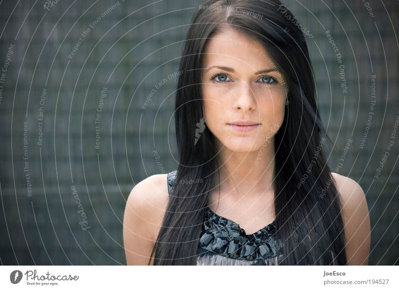 0900-photo-op Frau schön Gesicht Leben Erholung feminin Gefühle Stil Haare & Frisuren Kopf Zufriedenheit Stimmung Gesundheit Mode Erwachsene Porträt
