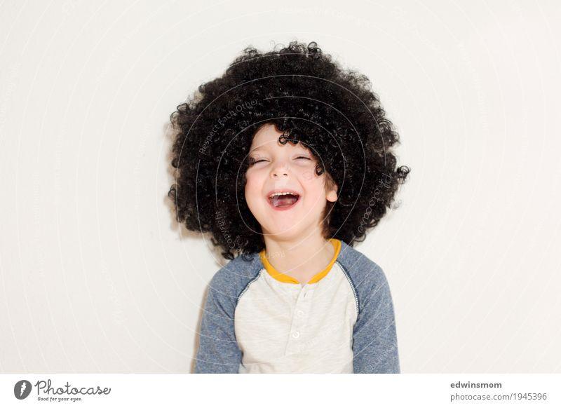 Lachen ist gesund Freizeit & Hobby Spielen Karneval maskulin Kind Junge Kindheit Haare & Frisuren 1 Mensch 3-8 Jahre schwarzhaarig Locken Perücke lachen frech