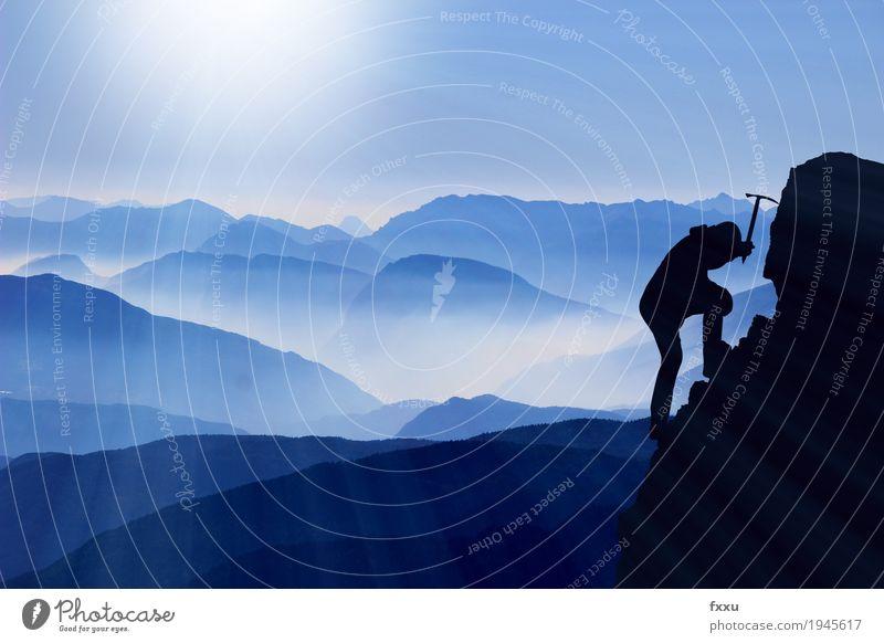Bergsteiger Freude Berge u. Gebirge Freiheit Felsen Nebel Erfolg Gipfel Klettern Konkurrenz Image aufsteigen Leistung Sieg erobern