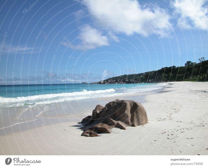 Stone on Beach Meer Strand Ferien & Urlaub & Reisen Wellen
