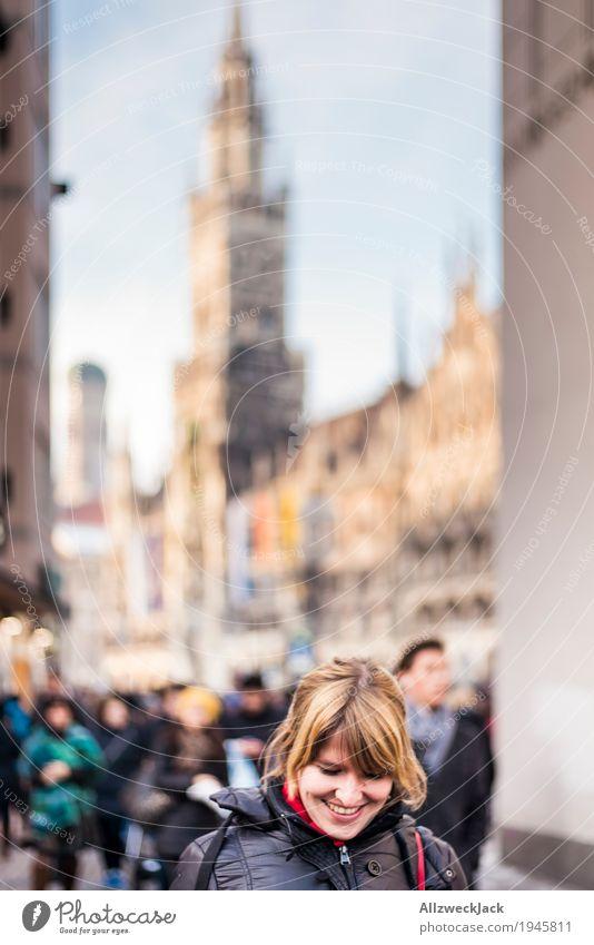 Sightseeing Mensch Frau Ferien & Urlaub & Reisen Jugendliche Stadt Junge Frau Freude 18-30 Jahre Erwachsene Leben feminin Glück Tourismus genießen Lächeln