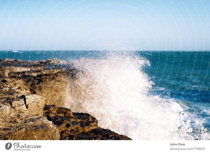 Portland Stone Natur Sommer Meer Freiheit Küste Horizont Wellen Felsen frisch Hoffnung Sehnsucht Bucht Fernweh Wolkenloser Himmel Gischt Rauschen