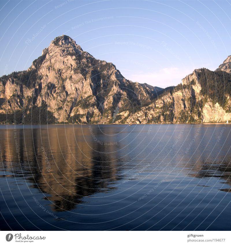 überdimensioniertes pfützenbild Umwelt Natur Landschaft Wasser Himmel Sommer Felsen Berge u. Gebirge Gipfel Seeufer Gewässer Österreich