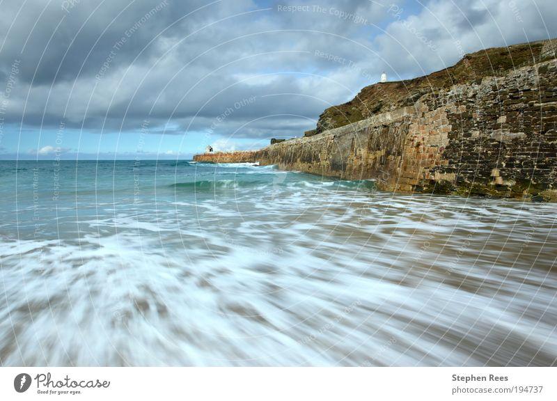 Natur Himmel weiß Meer blau Wolken Bewegung Stein Landschaft Küste Horizont Hügel Anlegestelle England brechen Brandung