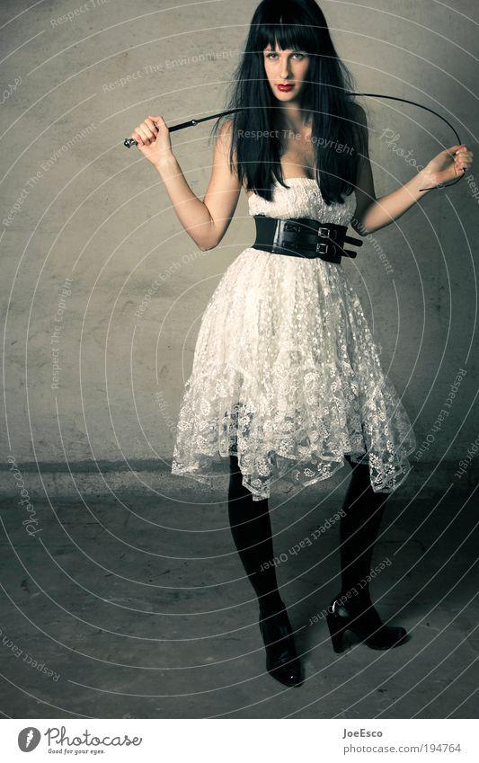 zuckerbrot und peitsche 03 Lifestyle Stil exotisch schön Nachtleben Entertainment Feste & Feiern Frau Erwachsene Leben 1 Mensch Ruine Mauer Wand Mode Kleid Lack
