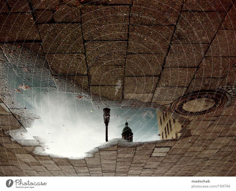 FHMNGRD Berlin Stadt Straße Wege & Pfade Sehnsucht Heimweh Fernweh bizarr skurril sparsam Surrealismus Umwelt Umweltverschmutzung Umweltschutz Pfütze Fenster