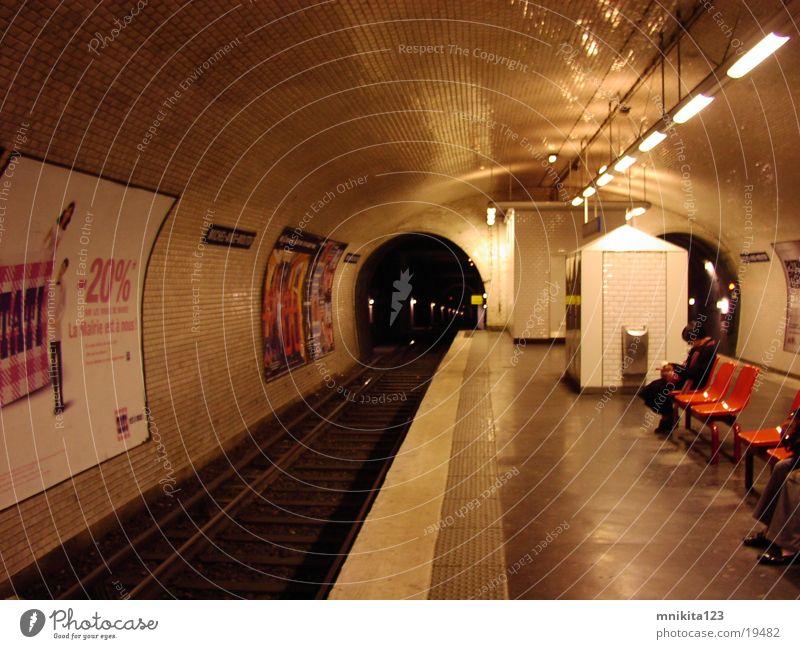 Metro in Paris Verkehr U-Bahn London Underground Frankreich
