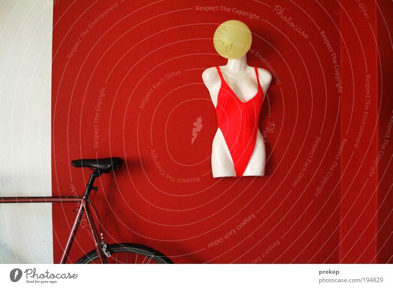 Bikewatch Häusliches Leben Wohnung Tapete Raum Wohnzimmer trendy sportlich rot Sicherheit Schutz bizarr Design Fahrrad Bikini Torso Luftballon Figur