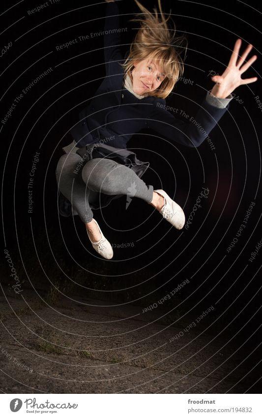 high five Freude schön Leben Tanzen Erfolg Mensch feminin Junge Frau Jugendliche Erwachsene Bewegung Fitness springen authentisch Coolness trendy lustig positiv