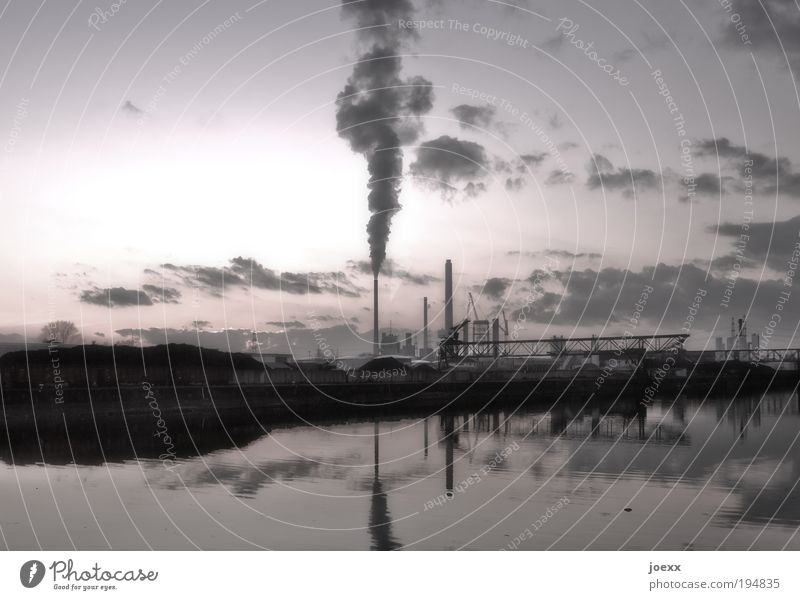 Wasseraufbereitung alt Himmel Gebäude Luft Umwelt Industrie Klima Hafen Maschine Schornstein hässlich Industrieanlage Umweltverschmutzung Stromkraftwerke Energie Kohlekraftwerk