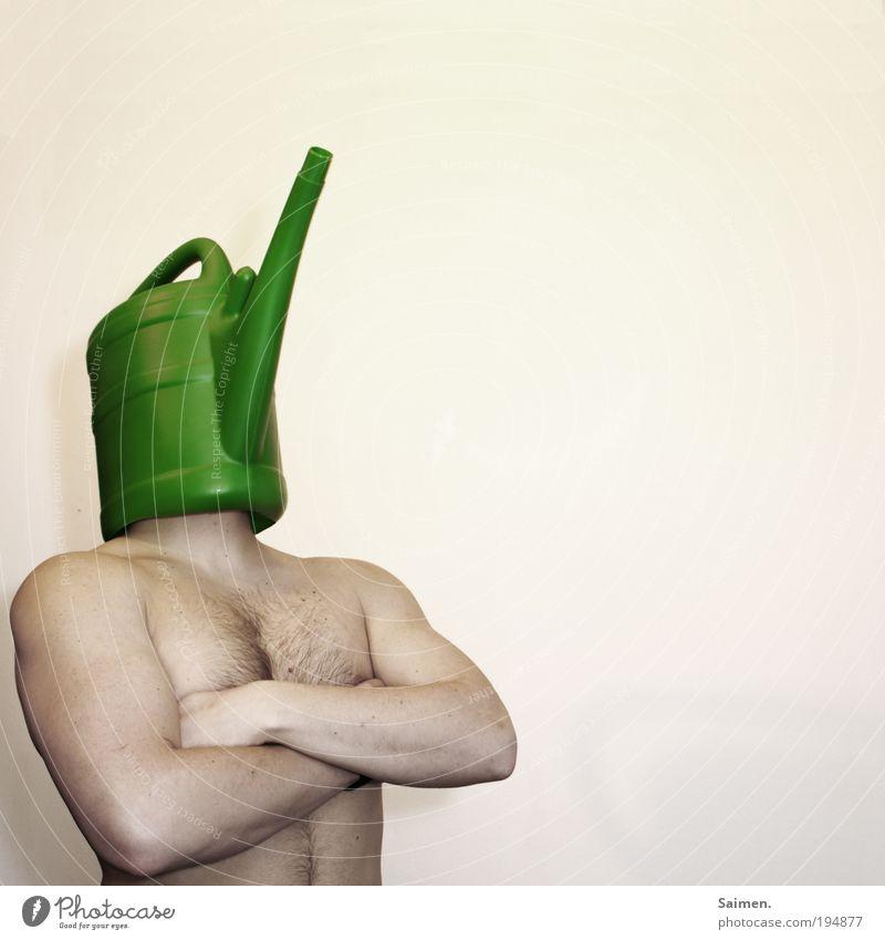 der Blumenpfleger maskulin Mann Erwachsene Körper stehen Wachstum außergewöhnlich einzigartig muskulös nackt trashig Freude Frühlingsgefühle Stolz eitel