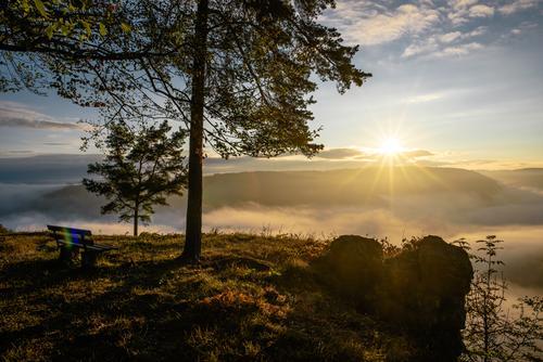 Sonnenaufgang am Albtrauf Wohlgefühl Zufriedenheit Erholung ruhig Meditation Tourismus Ausflug Freiheit Umwelt Natur Landschaft Pflanze Himmel Wolken