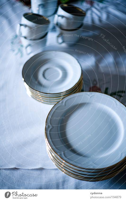 Das gute Porzellan ruhig Leben Lifestyle Zeit Design Häusliches Leben Ordnung Kommunizieren einzigartig Idee Kaffee Vergangenheit Tradition Geschirr Tasse