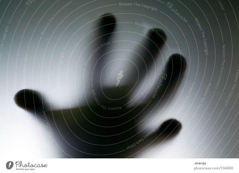 Zugriff Mensch Hand Gefühle Angst Finger verrückt gruselig Gewalt skurril Todesangst Dieb Aggression greifen Kriminalität Schwarzweißfoto geisterhaft