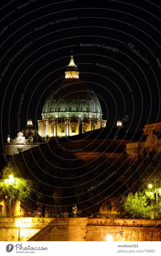 Vatikan in der Nacht - St Pietro Rom Nachtaufnahme Petersdom Europa