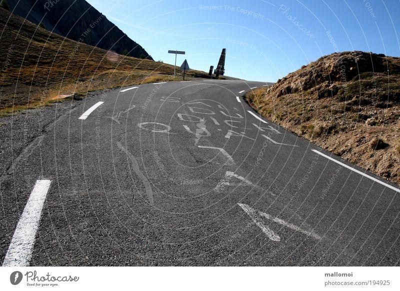 der weg ist das ziel II Ferien & Urlaub & Reisen Sommer Umwelt Straße Berge u. Gebirge Wärme Kraft Felsen Freizeit & Hobby Ausflug Erfolg Radrennen Alpen Gipfel