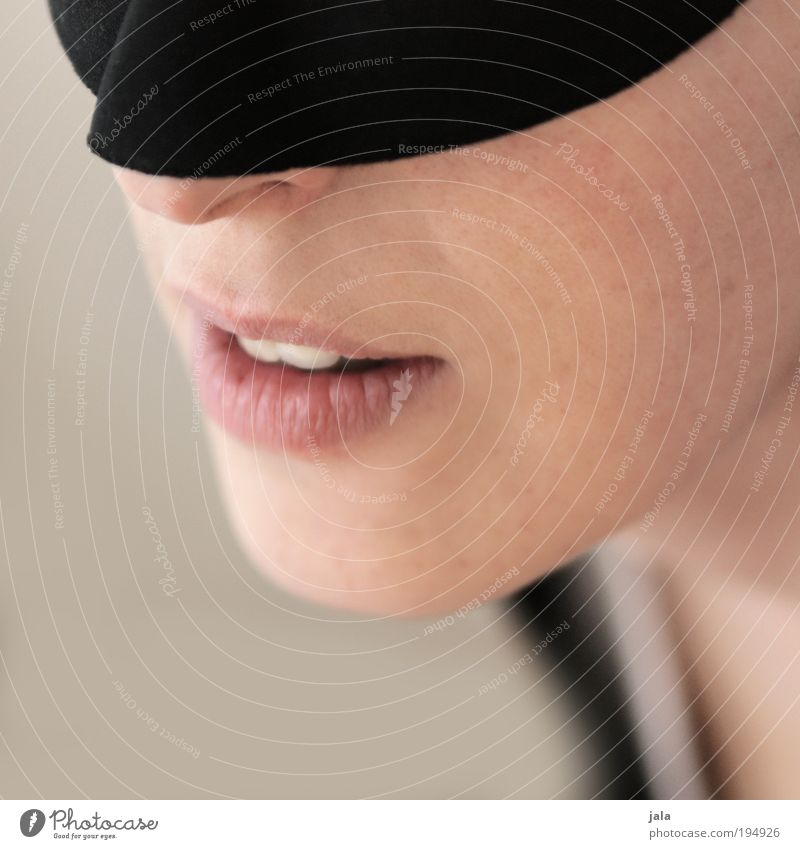 devovere Mensch feminin Frau Erwachsene Haut Kopf Gesicht Nase Mund Lippen Zähne gebrauchen genießen knien warten ästhetisch Glück heiß Akzeptanz Vertrauen